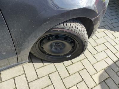 Enjoliveur roue AVD Manque