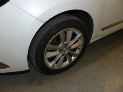 Tyre F L Worn