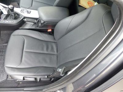 Seat F L compl Worn