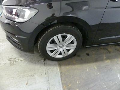Wheel cover FL Scratch(es)