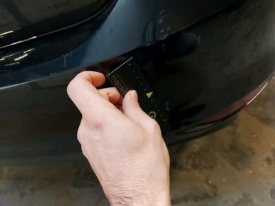 Bumper R Scratch(es)