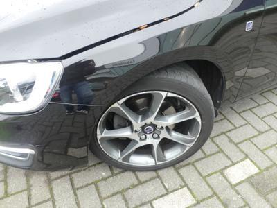 Tyre FL Tear