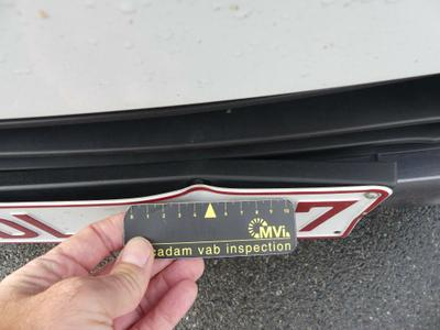 Number plate cover F Broken