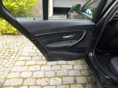 Door panel R L Scratch(es)